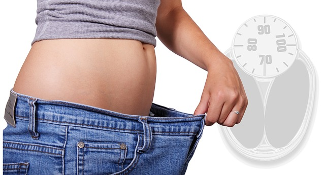 břicho po zhubnutí
