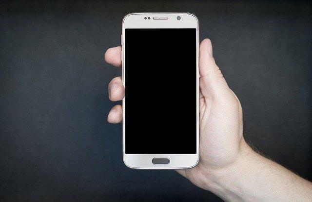 smartphone v ruce
